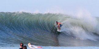 Surfista assume presidência