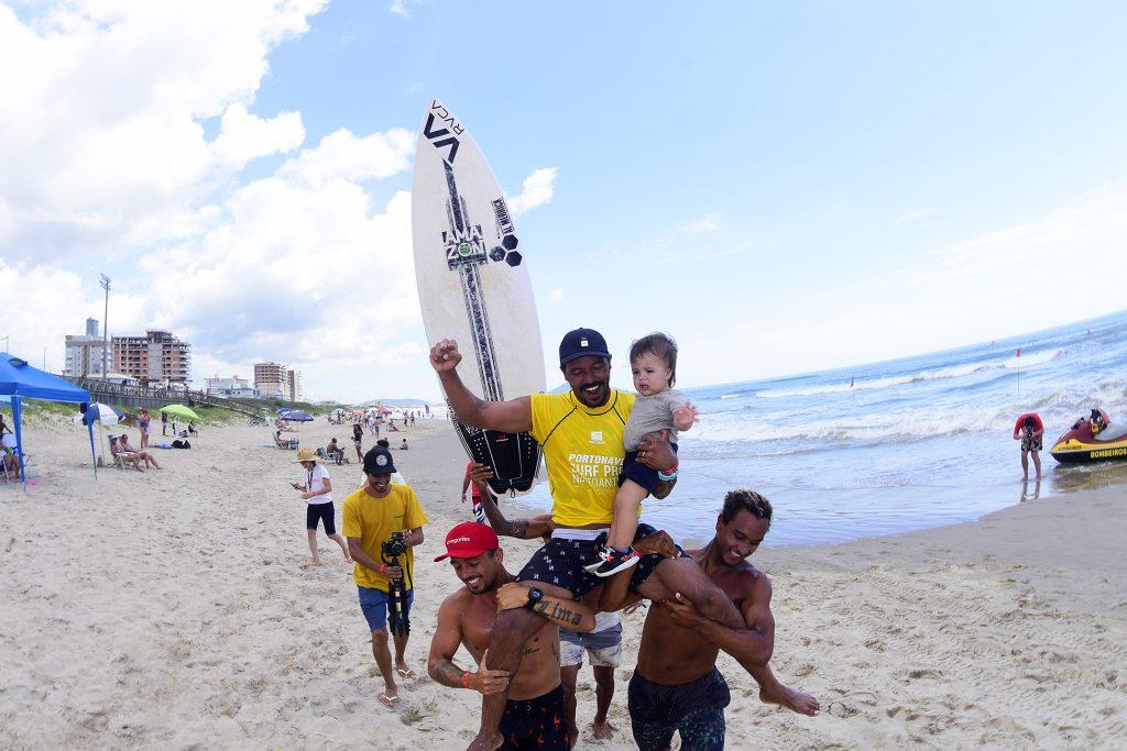 Yuri Gonçalves vence o Portonave Surf Pro.