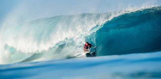 Kolohe Andino volta a surfar
