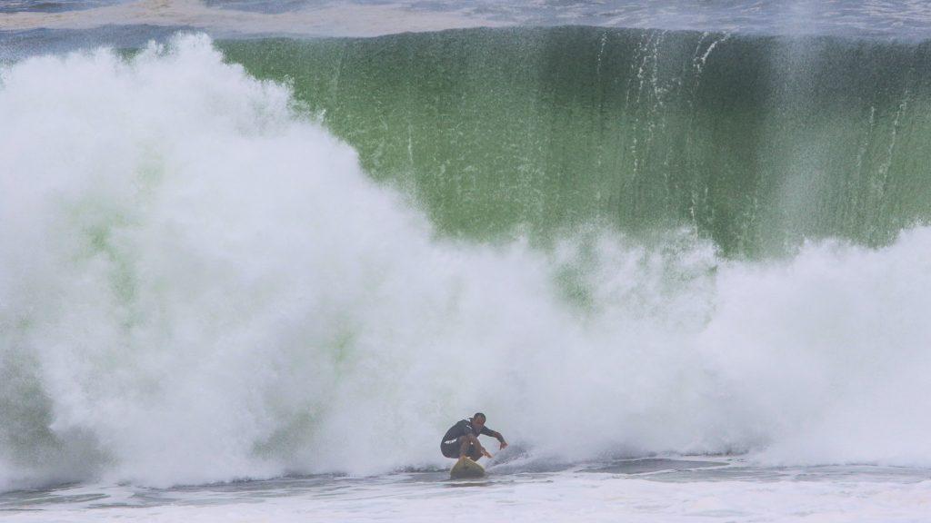 Visual da Barrinha de Saquarema em um dia de ondas grandes. Foto arquivo: