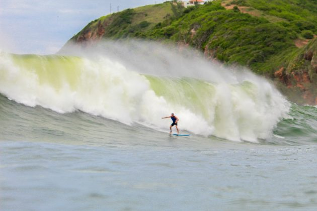 Henrique Vasquez, Laje do Caboclo, Maricá (RJ). Foto: Gleyson Silva.