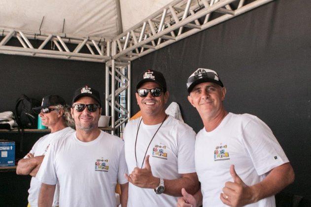 Luli, Luiz Antonio e Klaus Kaiser, Rip Curl Grom Search 2020, praia da Ferrugem, Garopaba (SC). Foto: Matusa Gonzaga @matusa72.