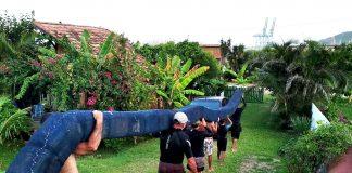 Surfistas combatem poluição
