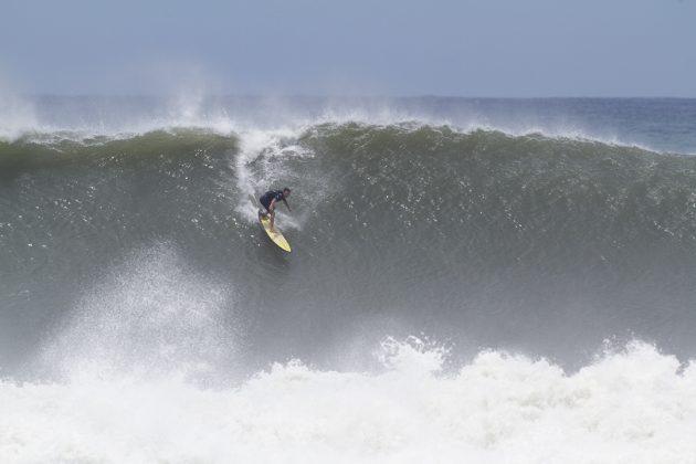 Rafael Scarduelli, Praia do Cardoso, Farol de Santa Marta (SC). Foto: James Thisted.