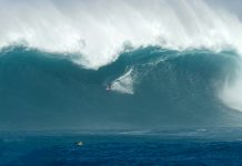 Swell explode no Havaí