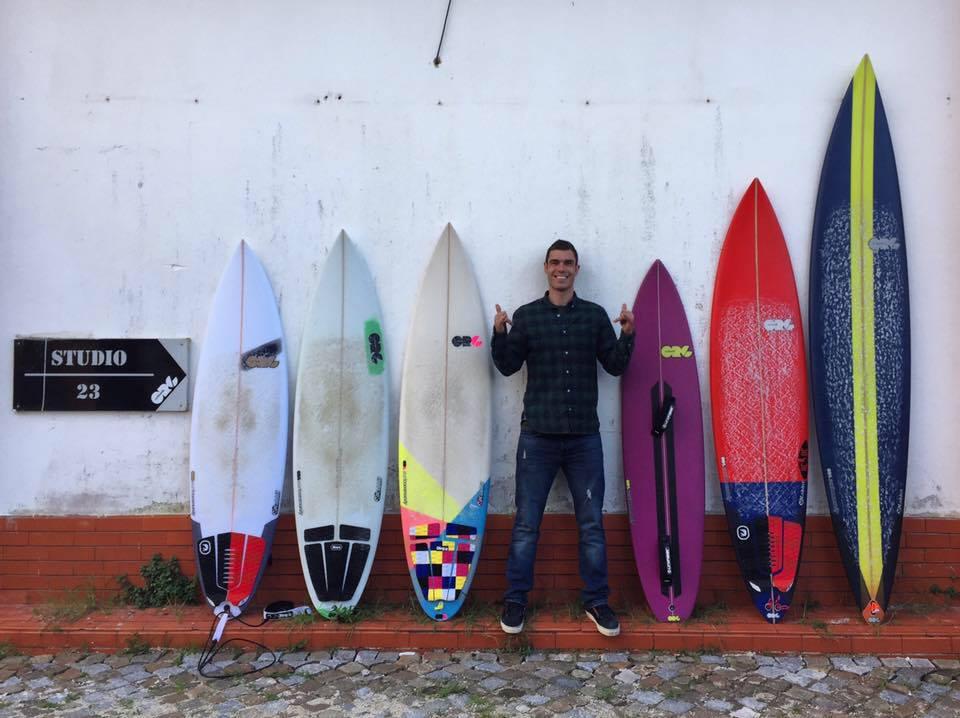 Crescido no interior de Portugal, mas sempre ligado ao mar, Edu Garcia é o CEO da ORG Surfboards.