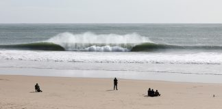 Portugal isola praias