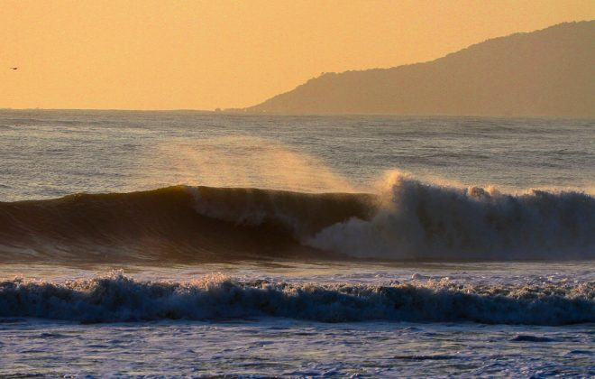 Alejo Muniz, Praia Brava, Itajaí (SC). Foto: Rafa Shot Photography.