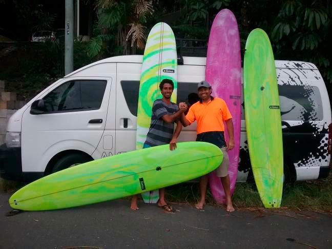 Augusto Olinto tem parceria com o shaper David Lima na Austrália.