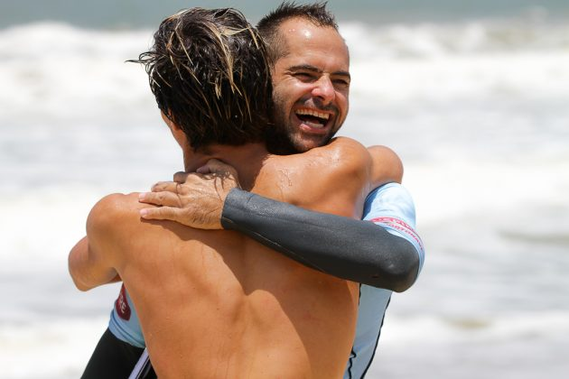 Mateus Herdy e Marcelo Trekinho, Praia Brava, Itajaí (SC). Foto: Rafa Shot Photography.
