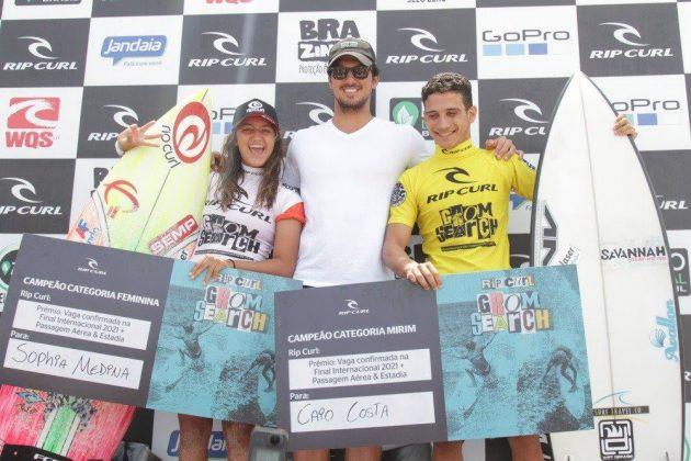 Sophia, Gabriel Medina e Caio Costa, Rip Curl Grom Search 2020, Barra da Tijuca, Rio de Janeiro (RJ). Foto: Pedro Monteiro.