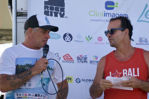 Ricardo Martins e João Lopes, Circuito ASCAS 2020, Balneário Rincão (SC). Foto: Vivi Surf.