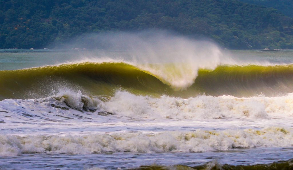 Tubos da Praia Brava estão novamente liberados.
