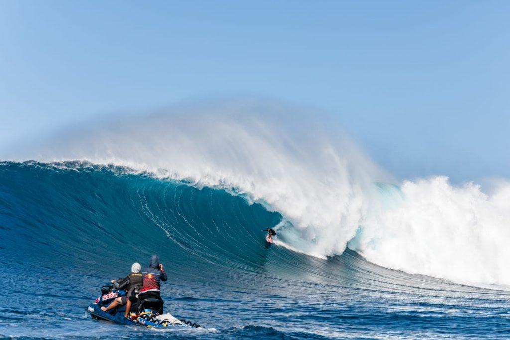 Billy Kemper fatura principal categoria do Big Wave Awards.