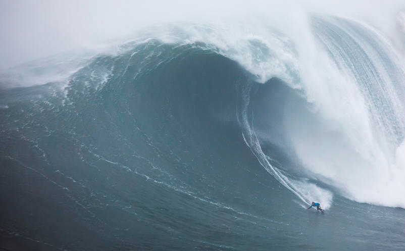 Kai Lenny leva segundo troféu do Red Bull Big Wave Awards 2020.