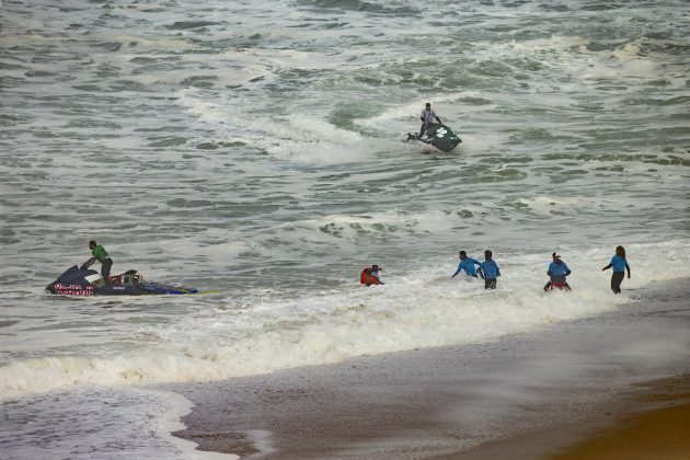 Nazaré Tow Challenge 2020, Praia do Norte, Portugal. Foto: WSL / Masurel.