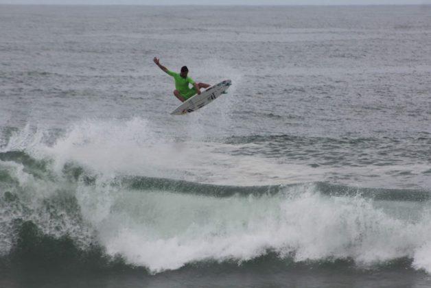 Lucas Chumbo, Manitiba, Saquarema (RJ). Foto: @rasgaback.