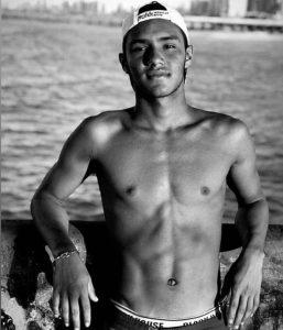 Luiz Felipe tinha 18 anos e ajudava a família a dar aulas de surfe a deficientes na Praia do Futuro.