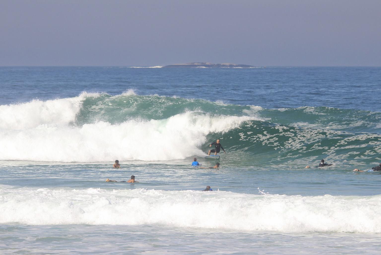 Etapa acontece no Arpoador (foto) ou na vizinha Praia do Diabo.