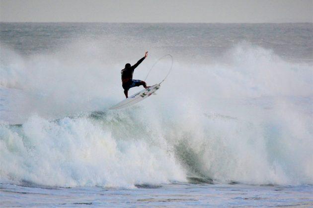 Michel Rodrigues, Praia da Vila, Imbituba (SC). Foto: Henrique Buchele.