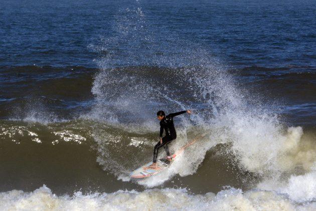Kaique Garcia, Praia da Cal, Torres (RS). Foto: Angelo Demore / @angelinphotos.