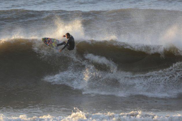 Ramon Selau, Praia da Cal, Torres (RS). Foto: Angelo Demore / @angelinphotos.