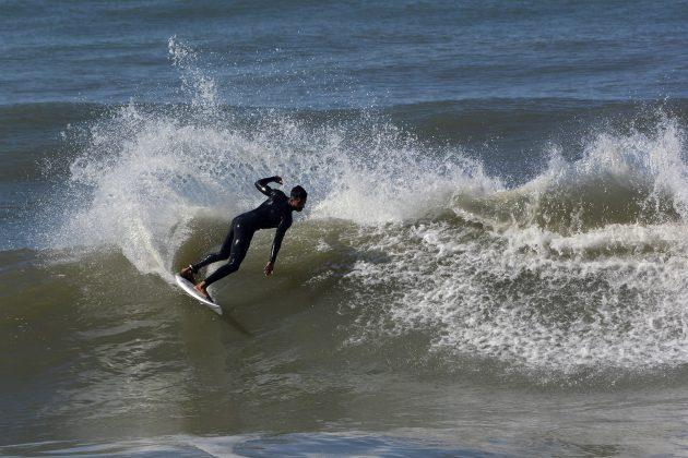 Robson Pinheiro, Praia da Cal, Torres (RS). Foto: Angelo Demore / @angelinphotos.