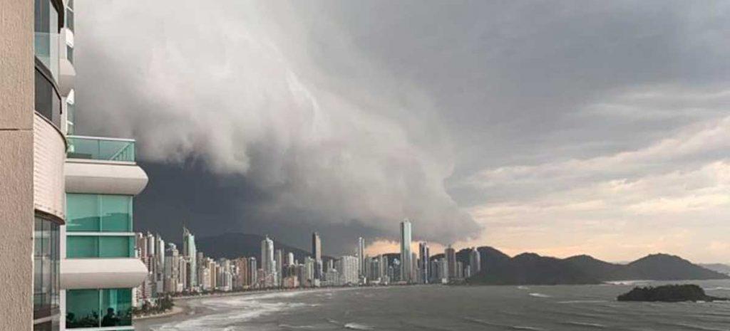Ciclone bomba da última semana causou estragos no litoral catarinense.