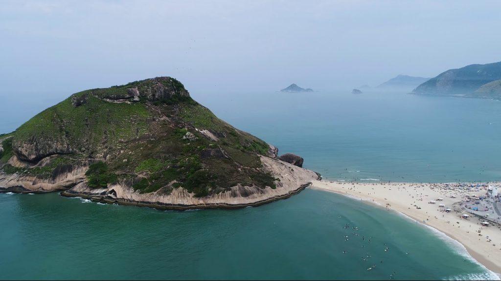 Visual do Canto do Recreio e da Praia da Macumba.