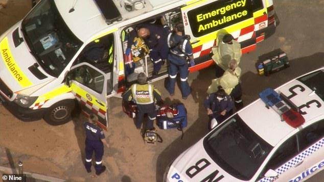 Equipe de resgate atende chamado em Collaroy Beach.