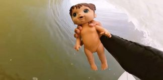Barrel com a boneca
