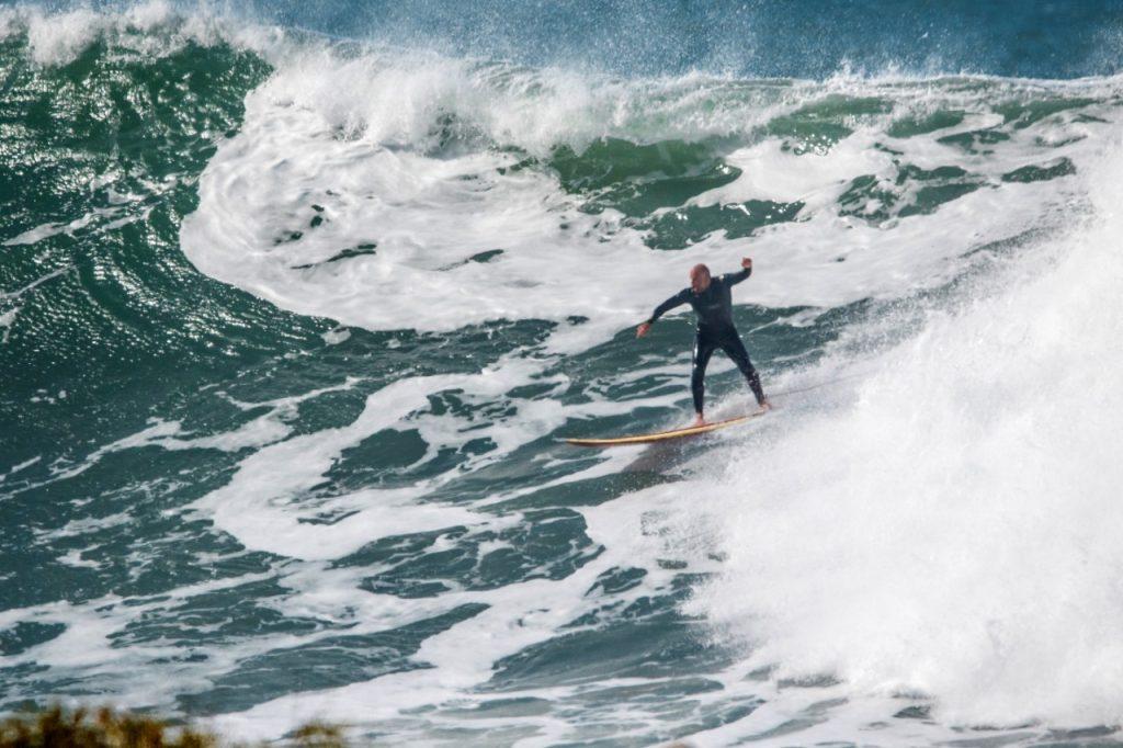Thomaz Crocco em ação na Praia do Silveira.