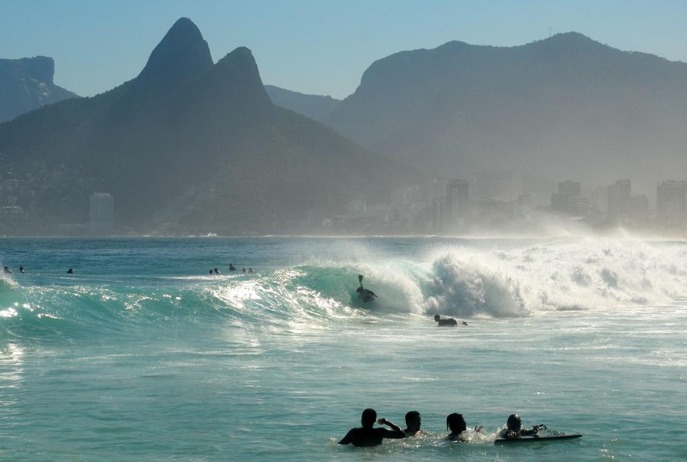 Ideia é que apenas moradores dos bairros possam ir às areias das praias e circular pelos bairros no Rio de Janeiro.