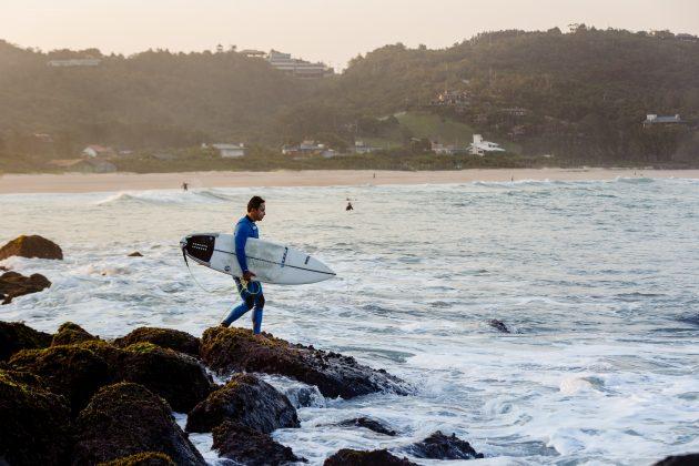David Nagamini, Praia do Silveira, Garopaba (SC). Foto: Bernardo Villanueva.