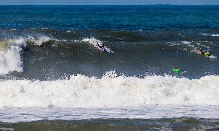 Camille Oliveira, Praia do Cardoso, Farol de Santa Marta (SC). Foto: Rafa Shot.