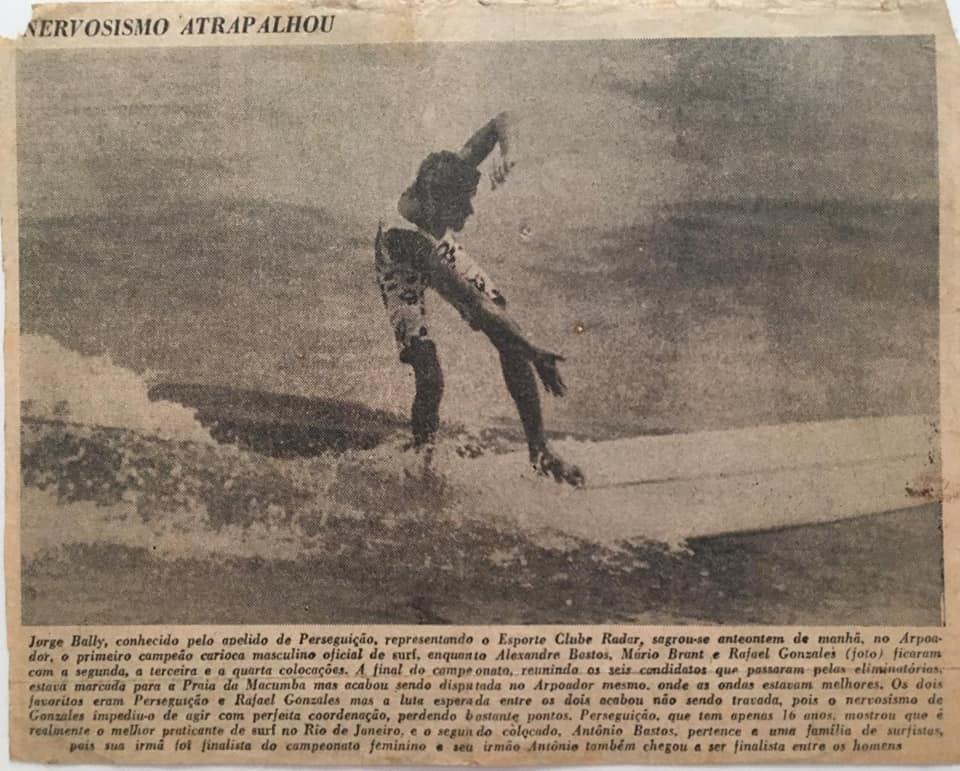 Com apenas 16 anos, Jorge Bally tornou-se o primeiro campeão carioca de surfe.