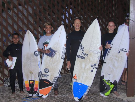 Pódio Sub 14, Kids Like Surfing 2020, Joaquina, Florianópolis (SC). Foto: Basilio Ruy/P.P07.