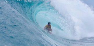 Surfe, água-viva e correnteza