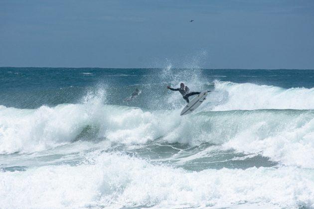 Walley Guimarães, Praia do Rosa, Imbituba (SC). Foto: Anderson Luan / @black.blue.fotos.