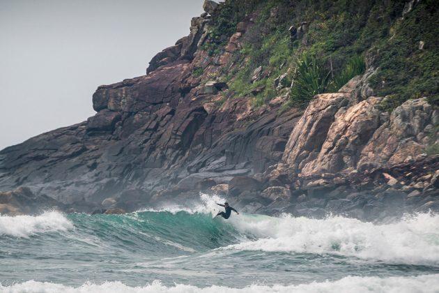 SNI, Praia do Silveira, Garopaba (SC). Foto: @bernardovillanueva_.