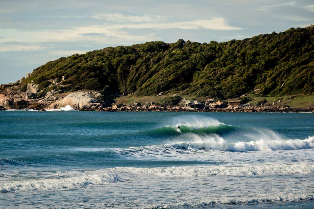 Rosa é uma das praias com restrições ao surfe durante o período de pesca da tainha.