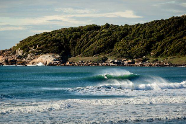 Praia do Rosa, Imbituba (SC). Foto: @bernardovillanueva_.