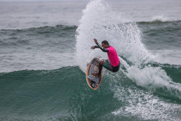 Cauã Costa, Hang Loose Surf Attack 2020, Itamambuca, Ubatuba (SP). Foto: Daniel Smorigo.
