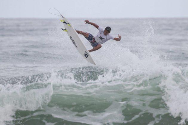 Cauã Gonçalves, Hang Loose Surf Attack 2020, Itamambuca, Ubatuba (SP). Foto: Daniel Smorigo.