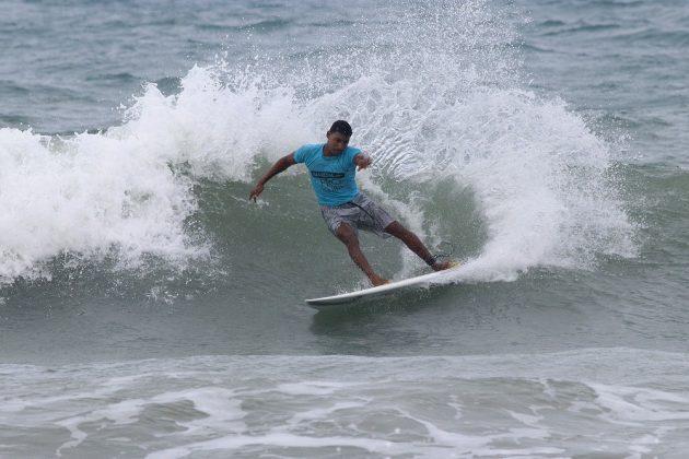 Emanuel Vieira, Praia da Taíba, São Gonçalo do Amarante (CE). Foto: Lima Jr.
