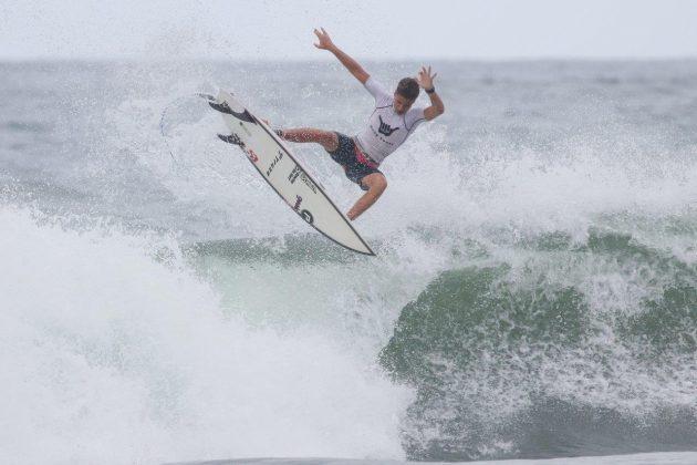 Kayki Araujo, Hang Loose Surf Attack 2020, Itamambuca, Ubatuba (SP). Foto: Daniel Smorigo.