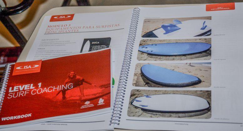 Curso de Formação e Atualização de Instrutores de Surf e SUP. Foto: Giovanna Lima.