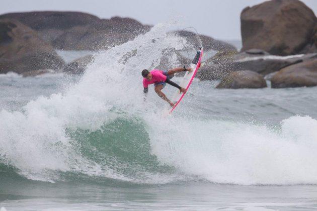 Mateus Sena, Hang Loose Surf Attack 2020, Itamambuca, Ubatuba (SP). Foto: Daniel Smorigo.