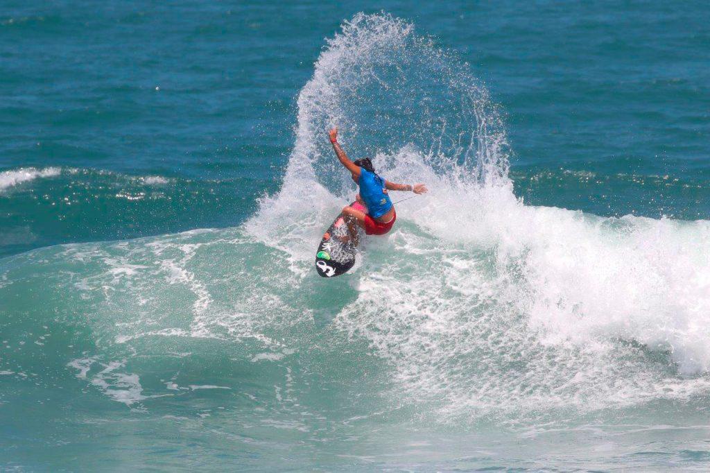 Silvana Lima é uma das atrações do CBSurf Pro Tour na Praia da Taíba.