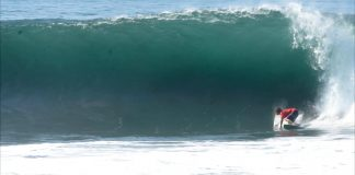 Mar sobe em Keramas